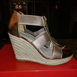 Rose Gold Guess Wedges - size 8